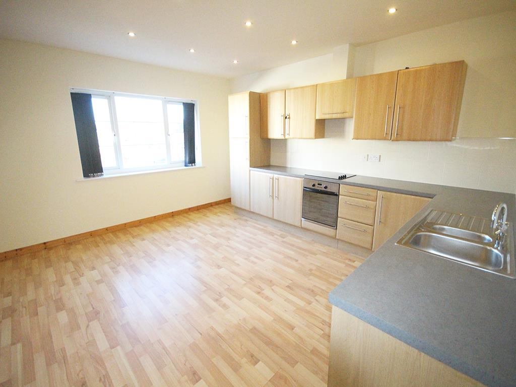 2 bedroom apartment For Sale in Colne - IMG_1363.jpg